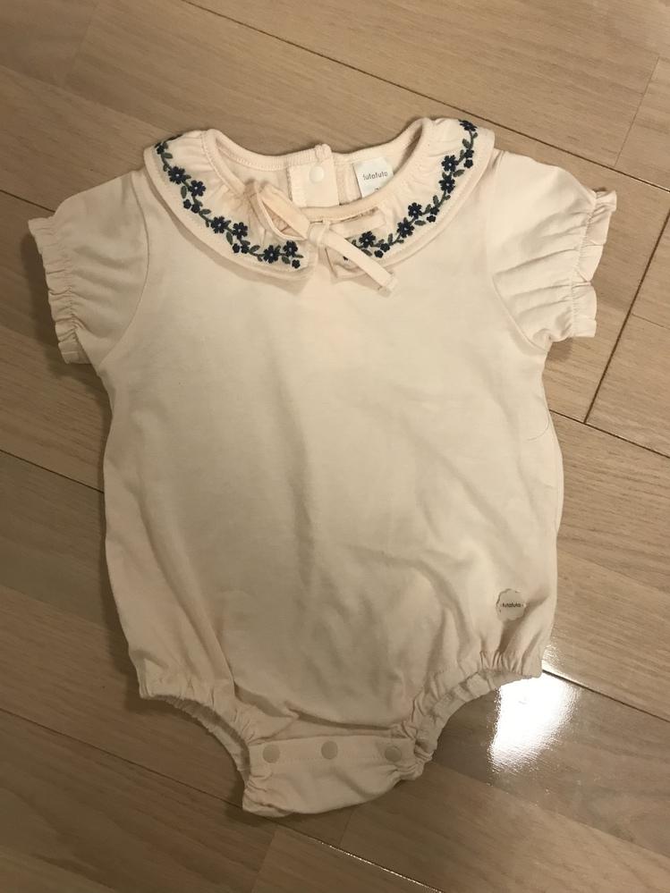 生後9ヶ月の女の子の子育て中です サイズ70の服を買いました この服は一枚で着るのかズボンと合わせて着るのかどちらですか?