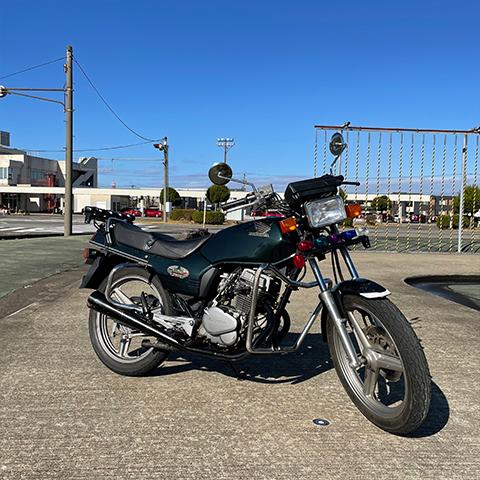 これはホンダの、何と言う名前のバイクでしょうか? 宜しくお願いいたします。