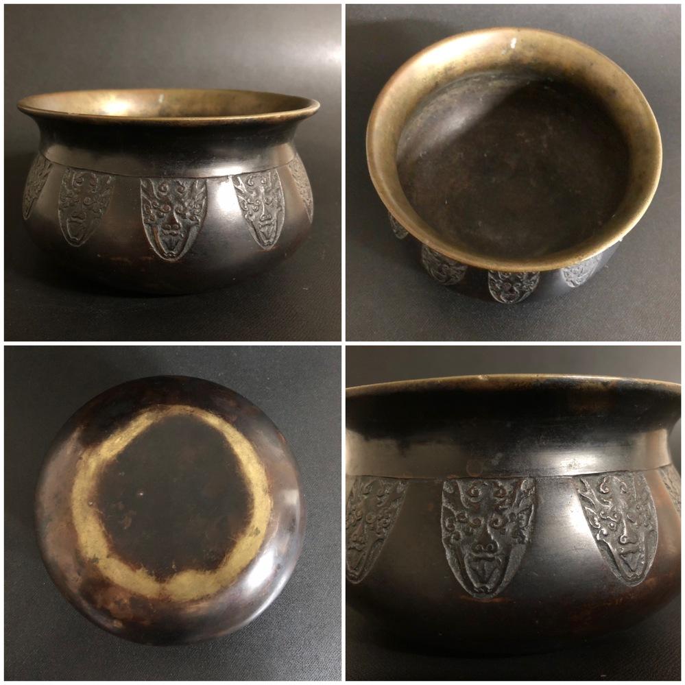 蔵から出てきたのですが、こちらは何に使うものなのでしょうか? 見たところ、仏具の偲りんに見えますが違いますでしょうか? 材質は真鍮に見えます。 ご教授宜しくお願い致します。