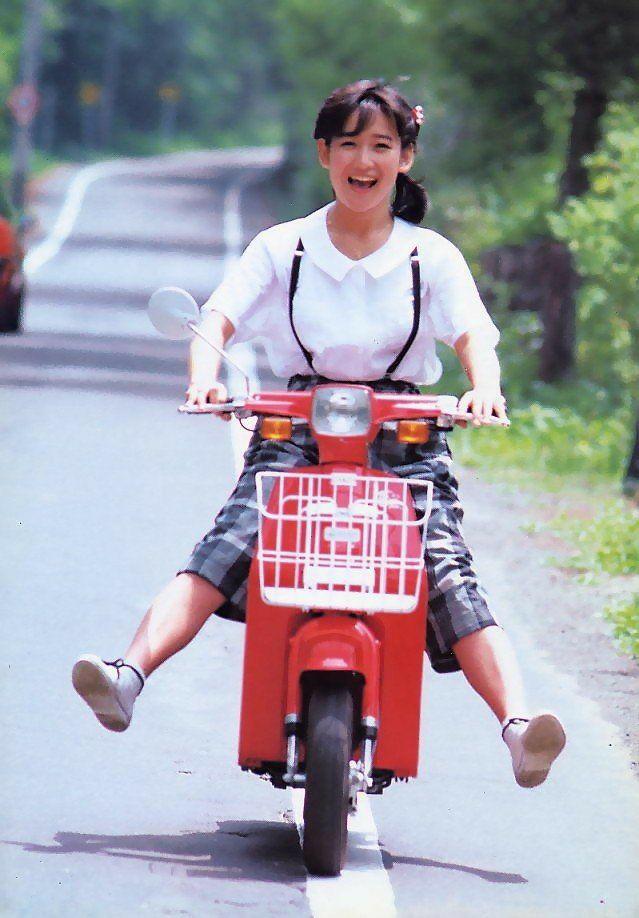 岡田有希子はバイクが好き?
