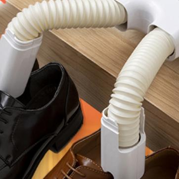 何かわからないけど今欲しい物の名前を知りたいです。 よく、靴乾燥機などの排気口になっているビヨンビヨンのホースの名称は何というのですか? また、口径8~10センチの曲げたまま形を保持するホースな...
