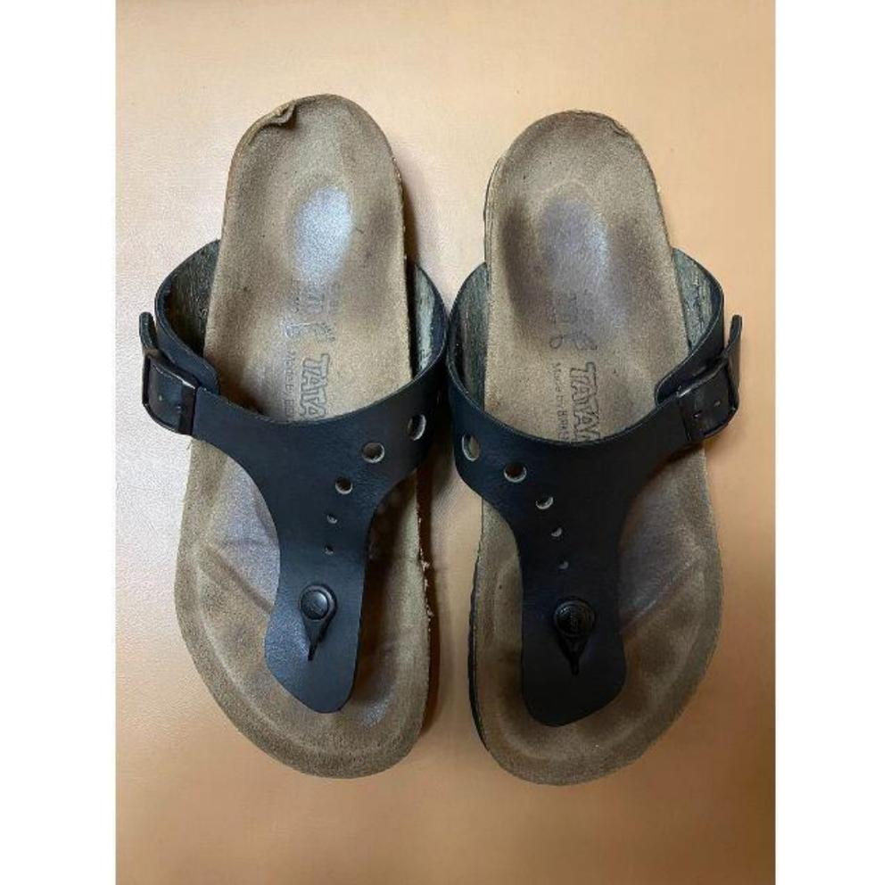 この靴はなんという商品名でしょうか? BIRKENSTOCKのtatamiシリーズなんですが、ギゼに似ているモデルです。 ビルケンシュトック ビルケン サンダル チューリッヒ