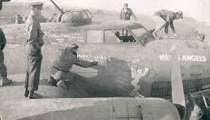 なぜWW2でイギリスは夜間爆撃 アメリカは昼間爆撃だったの❓ スターリング ハリファックス ランカスター B-17 B-24