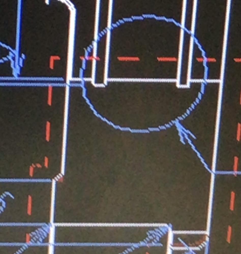 3D CAD creoの図面の書き方について。 添付の画像のように、赤い波線で書かれた線(見難くて申し訳ありません)はどのように編集すればよいでしょうか? 赤い波線は、モデル線ではなく、注記とし...