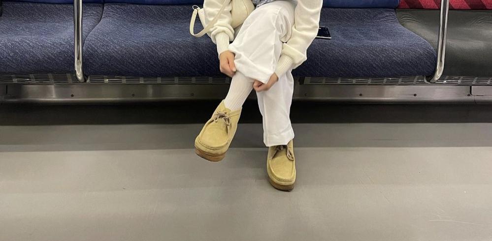 この靴のメーカーわかる方いらっしゃいますか?