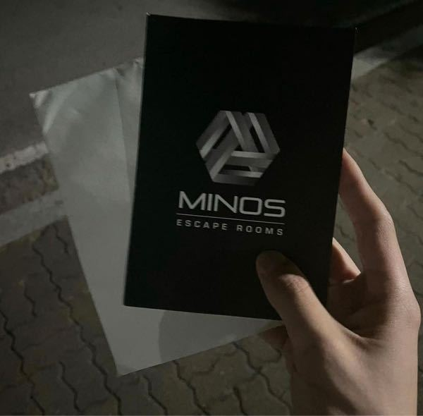 よく韓国のインスタグラマーの方がこの紙?みたいなのをもらってるのをみるのですがこれはなんですか?