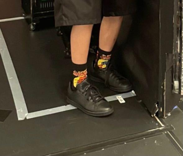 これsnowmanの向井康二くんなんですけど、この靴下どこのブランドかわかる方いますか??