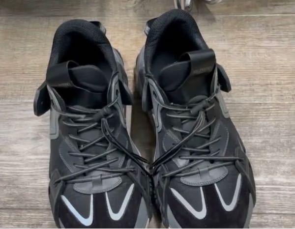 この靴どこのメーカーか分かる方いらっしゃいませんか?