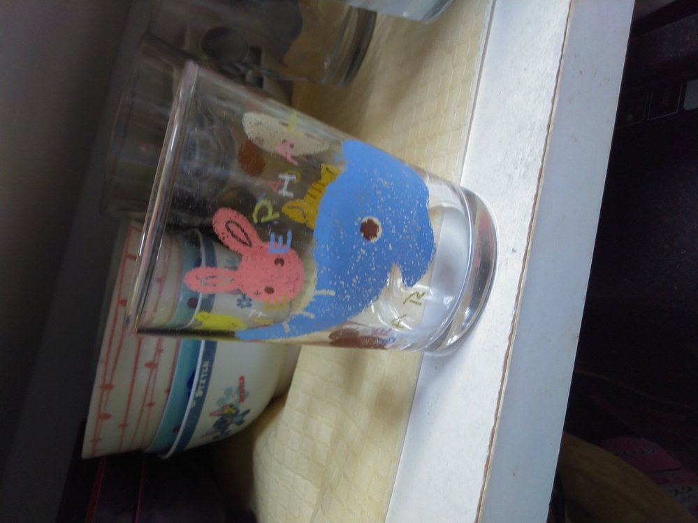 この子供用ガラスコップを探しているのですが、どなたか名前や買えるところ教えてくれませんか?