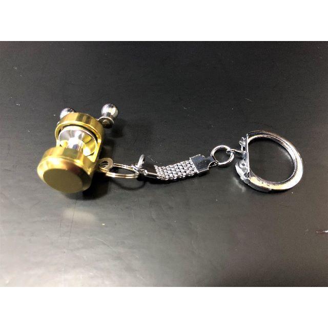 画像の旧式なリングとチェーンが付いたキーホルダーの新品を、現在店舗で購入できますか? 画像のものと全体が同じである必要はありません。あくまで同じリングとチェーンの新品が欲しいのです。