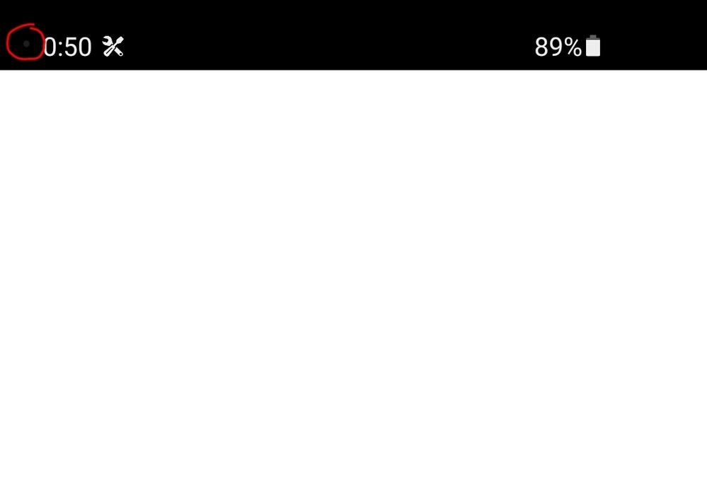 スマホはGalaxyS10を使っているのですが、YouTubeとかを見てる時に時間が表示されている所の左側に灰色の・が出て来る時がよくあるんですが、この・は何故出て来るのでしょうか?教えてください (この画像の赤い丸で 囲ってるやつです)