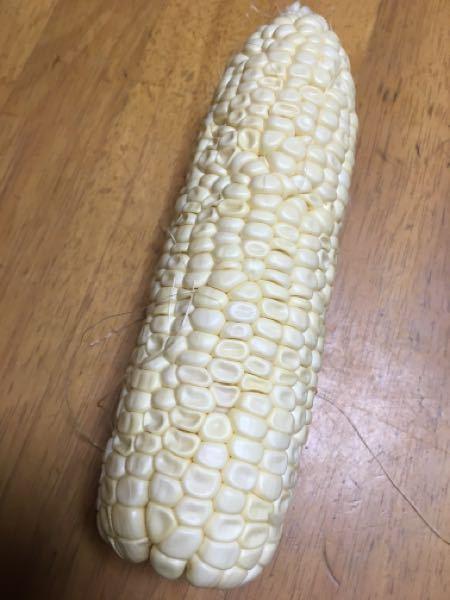 ピュアホワイトです。このように実粒に張りが無いのは 収穫が遅かったのでしょうか? まだ7本しか獲ってないのですが、初めてこのような結果なので、質問してみました。 ご回答お願い致します。