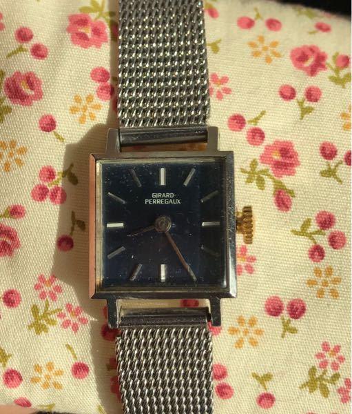 こちらの時計を修理するか悩んでいます。 ジラールペルゴ 型番8847 修理には約6万かかるといわれました。 アンティークになるとのことですが、6万をかけて直す価値があるものなのか教えていただけないでしょうか。 元々の価格や、現在の価値など具体的に教えていただけると助かります。 よろしくお願いします。