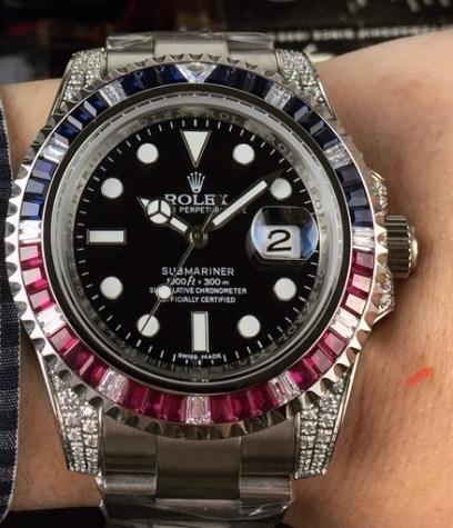これはROLEXのなんという時計でしょうか??