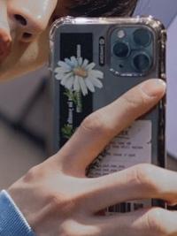 PENTAGONのホンソクが使っている、写真のスマホケースってどこのですか? わかる方いたら教えて欲しいです ♀️