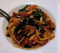 イタリアに住むイタリア人って  実際に、パスタを食べることが他国の人達より多いのですか? . 日常的にパスタ?
