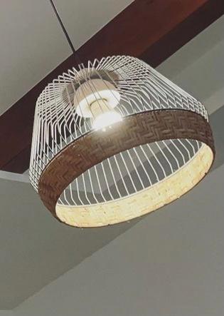 この照明どこの商品かわかりますか? ライト 電気