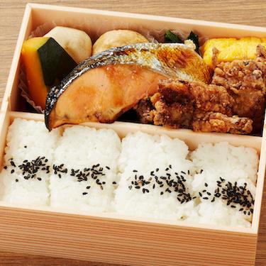 鮭の塩焼きと唐揚げ、お弁当のおかずでどっちが好きですか?