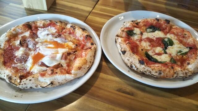 ビスマルク(ハム・半熟卵・モッツァレラのピッツァ)と マルゲリータ(バジル・トマト・モッツァレラのピッツァ)、 どちらが好きですか?