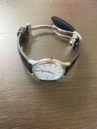 このような小さな腕時計(33.5mm)にDバックルを取り付けるのはおかしいでしょうか?