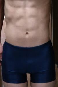 今年の夏はこれでプールに行きますがこの腹筋と水着を見たら惚れますか?