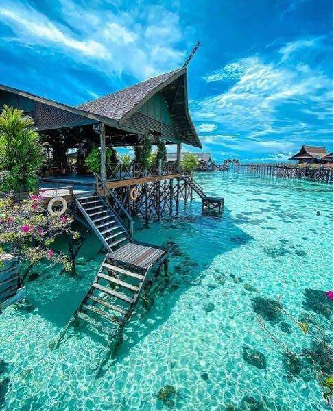 このリゾート地ってどこかわかる方いらっしゃいますか?とても綺麗で気になってます…!