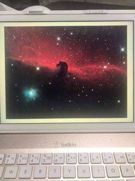 この写真はオリオン座にある馬頭星雲近榜の写真です。通常2次元画像は奥行の方向の情報を持たないが、理論的に考えるとこの写真の情報だけからでも奥行方向の構造について知ることが出来る。この写真の領域の奥行方 向の構造について理論的根拠を示して教えてもらいたいです。お願いします。