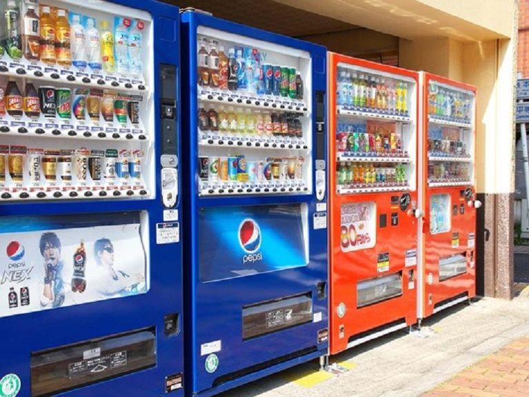 日本全国、かなり暑くなっています。 ・ 路上にある自動販売機ですが、暑くなると売上があがると思っているのですが、実際に売上はかなり上がっているのでしょうか。 ・ いかがでしょうか。