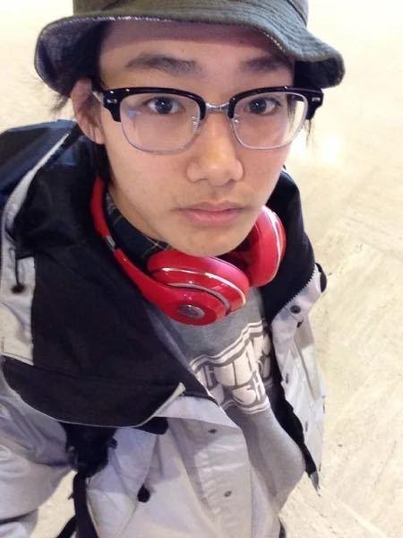 野村周平さんは昔眼鏡をかけていましたが視力はどのくらいでしょうか?