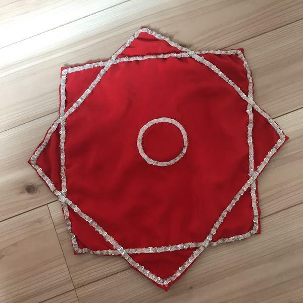 この布の名前わかる人いますか? 空中で中心を指で回すとクルクル回ります 中国の祖母からもらいました。