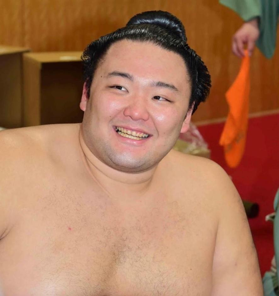 日本ハンドボールは今回の五輪で強豪国に勝てないんでは、終了後は善悪問わず話題にならない日常に戻るでしょう。 今まで顔であって宮崎は自滅、次にハンド経験ある写真の人物は事態宣言中にキャバへ。 テレ...