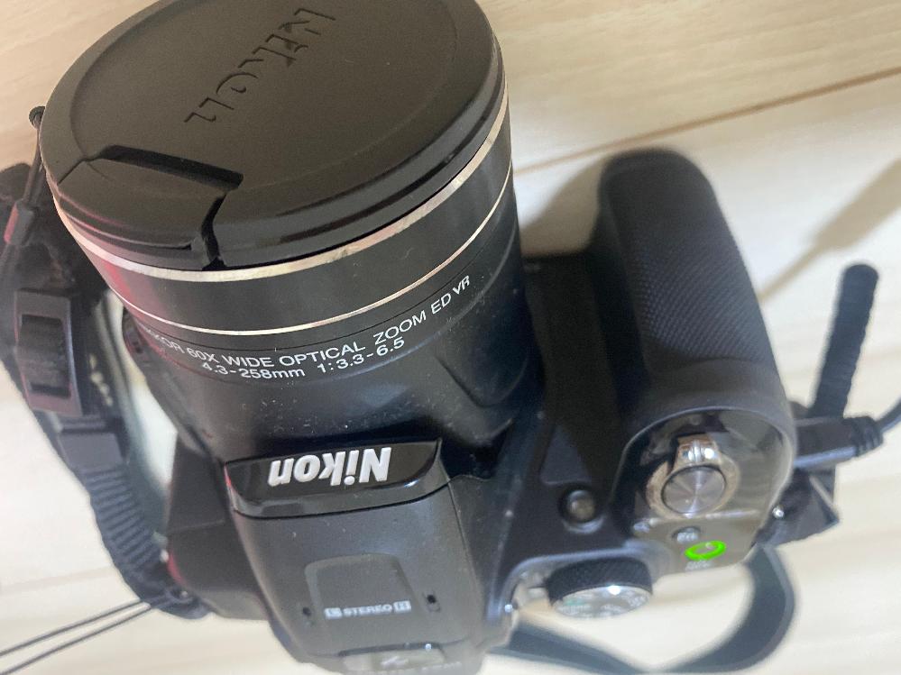 貰い物なんですが、このカメラはスマホに写真を移行出来たりしますか?やり方がわかれば教えてください。