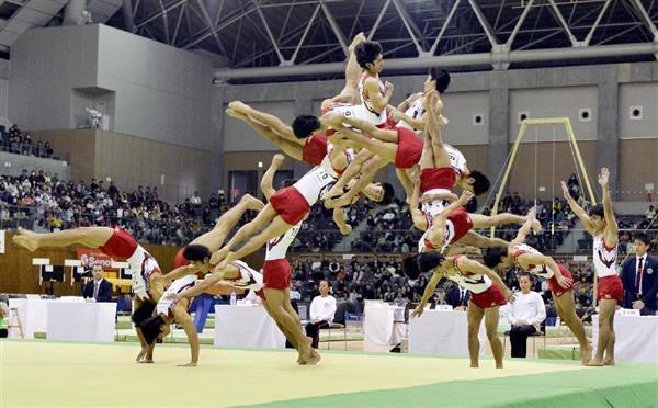 体操で、初めてひねりを加えたのは日本人が初なのですか? 世界が驚いたとか? . 現在の世界の体操界ではムーンサルトなどのひねりを加えた跳躍はもう珍しくないし、オーソドックスですよね。 ですが、...