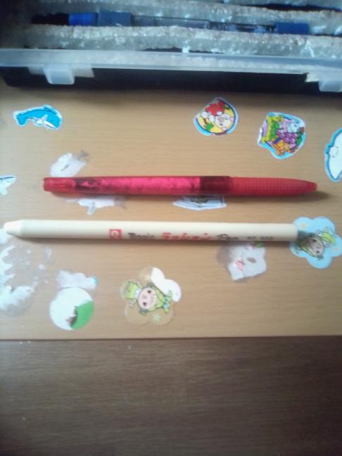改造ペンを作っているんですがどちらの軸がいいですか