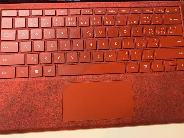 欧州のキーボードを使用しているのですが、どうしても'が打てません。英語使う時に凄く不便なので打ち方を教えてください。