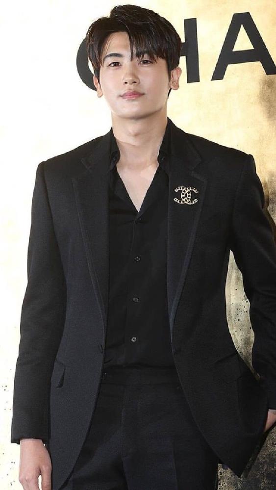パク・ヒョンシクは今、兵役から帰ってきましたか? あと俳優活動を今していますか?