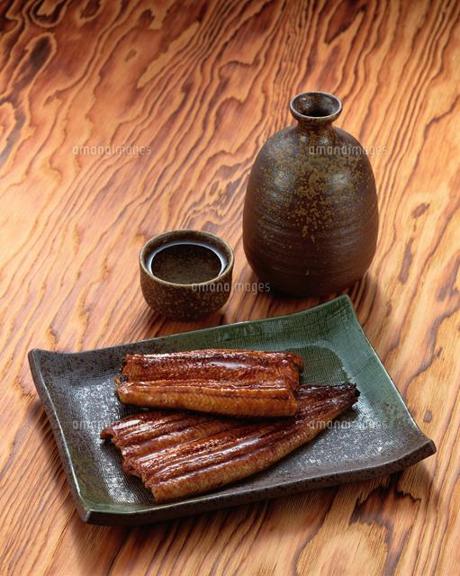 おはようございます 鰻にはやっぱり 日本酒ですか??