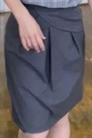 この写真のスカートをさがしています! わかる方いたら教えて欲しいです!