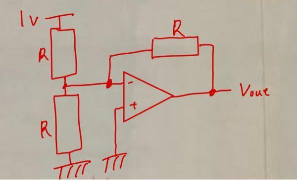 簡単な電気回路について気になることがあります。 オペアンプを用いた次の回路は回路として成立しますか? 物凄く初歩的な質問ですみません。 出力電圧がどうなるか教えて欲しいです。