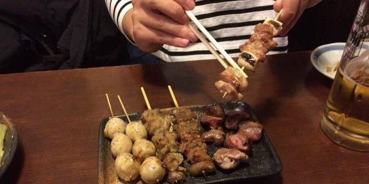 焼き鳥を串から外して食べるのは許せますか? (^。^)b