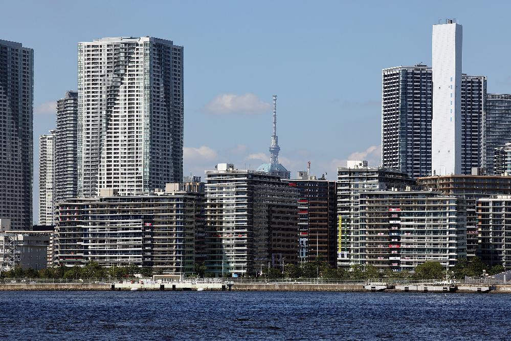 選手村の景色ですが、右側の細く高いビルは何でしょうか。 分かる方お願いします。