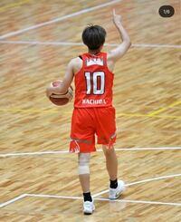 町田瑠唯選手が履いているバッシュと同じ種類のカイリーのバッシュは、なんて検索したら出てきますか?