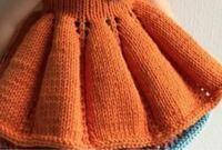 このワンピースのスカートの部分の編み方を教えてください。 上から下へ向かって編まれているように見えるのですが… このようなギャザー?の入れ方がわかりません。よろしくお願いたします。