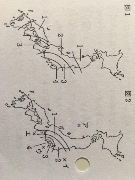マグニチュードが大きいと考えられる地震は図1、2のどちらか。そのように考えた理由も書け。 という問題が分かりません。分かる方教えて下さいm(_ _)m