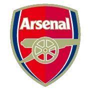 アーセナルのチームロゴが、左右で色が違う理由を教えてください。