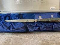 このナイフのようなカトラリーは何に使う物で名前はなんでしょうか? ちなみに刃はありません。