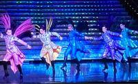 星組 エクレールブリアン の15場 フィナーレで礼真琴さんが他4人と踊るシーンですが、それぞれの色の方を教えてください。