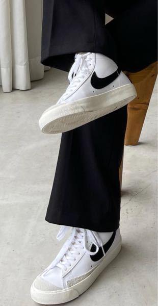 こちらのナイキの靴の商品名教えてください。よろしくお願いします。