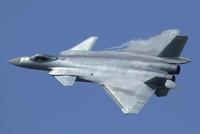 中国のステレス戦闘機J-20について情報を下さい!!  J-20が戦闘機ランキング3位になっています。すでに150機造られているとか  このJ-20本当にランキング3位の実力があるのでしょうか? F-35でも第4世代++クラスに苦戦すると聞きましたが、本当にステレス性/機動力/攻撃力はあるのでしょうか?  貴方様ならJ-20を戦闘機ランキング何位にいれますか?