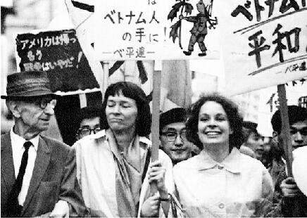 ベトナムに平和を!市民連合(ベ平連)崩れ(上がり)の政治家と言えば誰ですか?